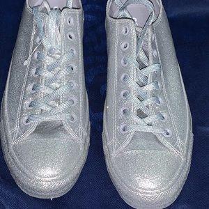 Unisex silver glitter converse